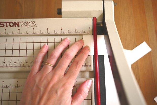 diy-dry-erase-calendar-02