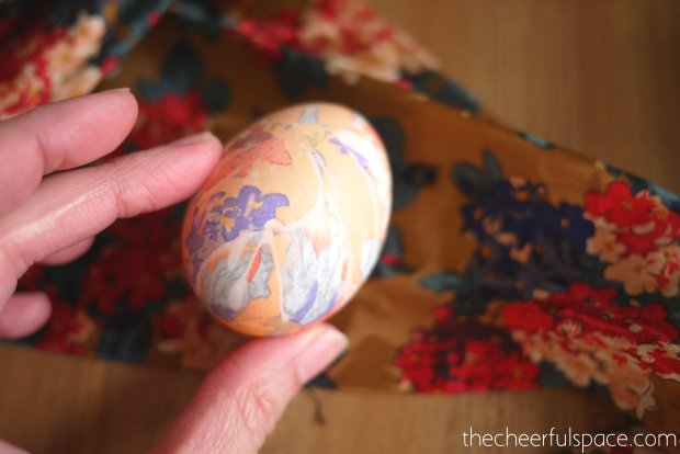 silk-tie-dyed-easter-eggs-16