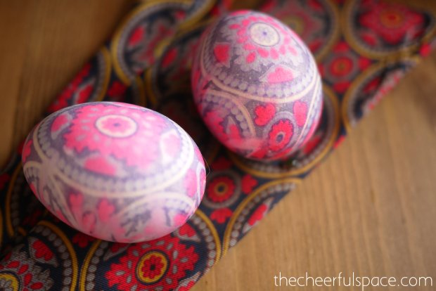 silk-tie-dyed-easter-eggs-18
