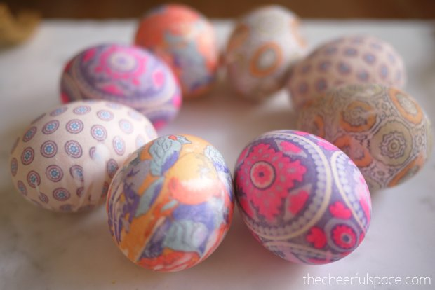 silk-tie-dyed-easter-eggs-23