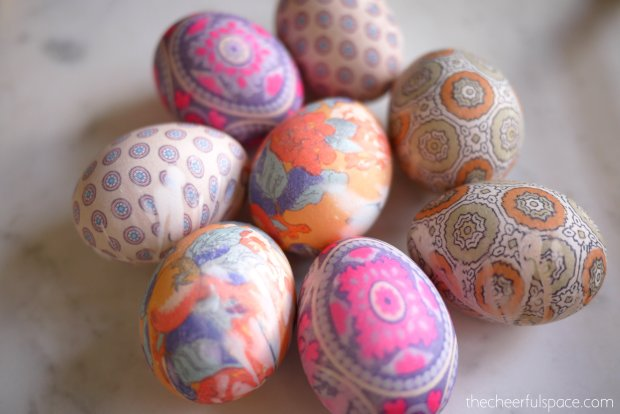 silk-tie-dyed-easter-eggs-26