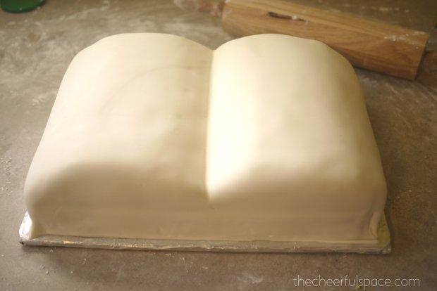 book-cake-23