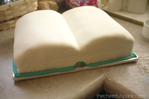 book-cake-32