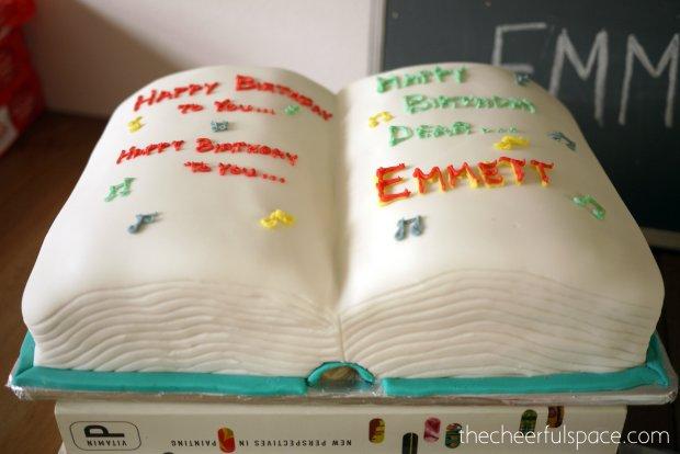 book-cake-35