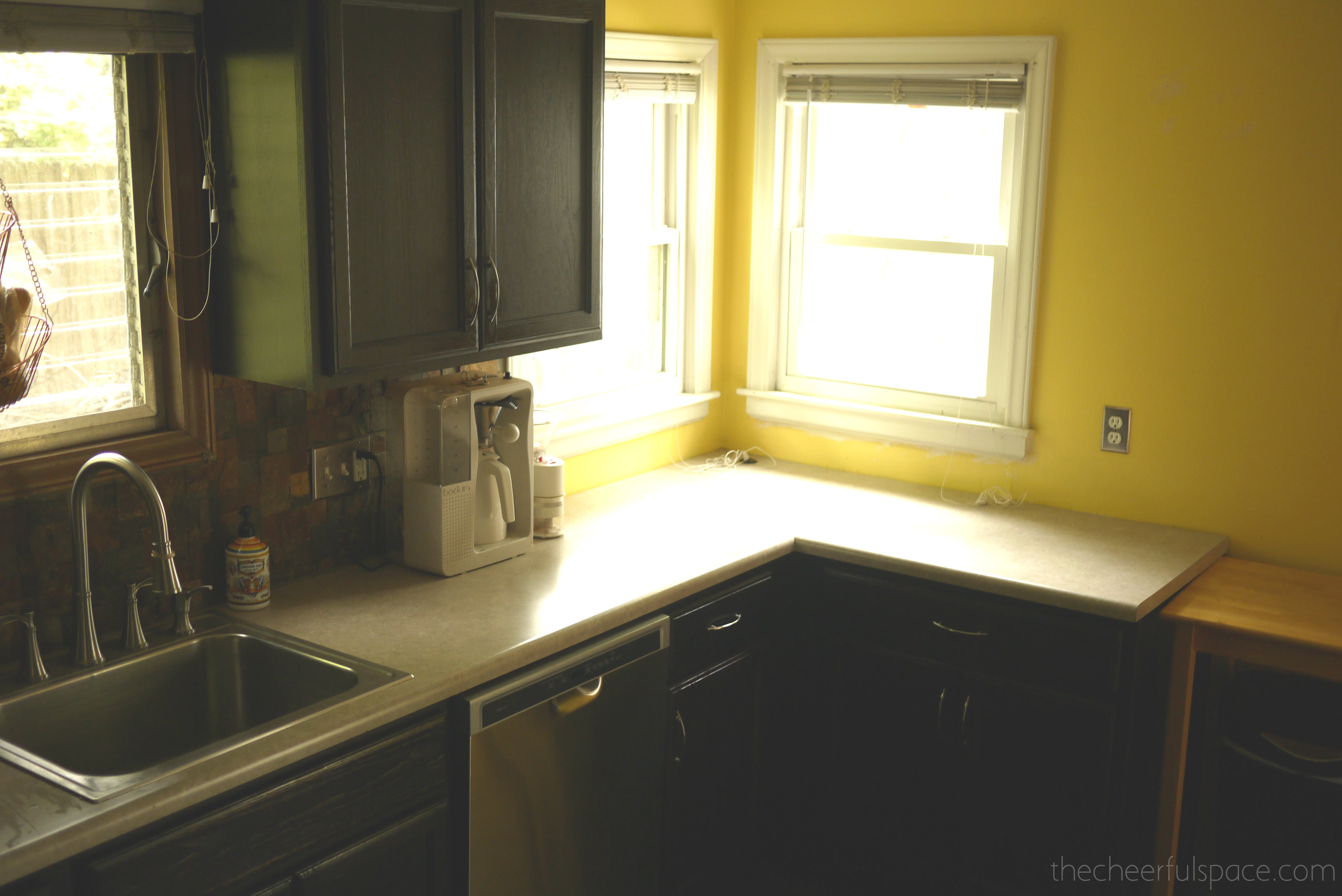 Kitchen Makeover Before 01
