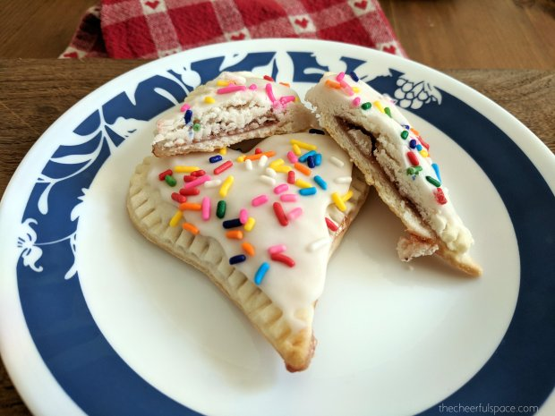 homeade-heart-shaped-poptarts