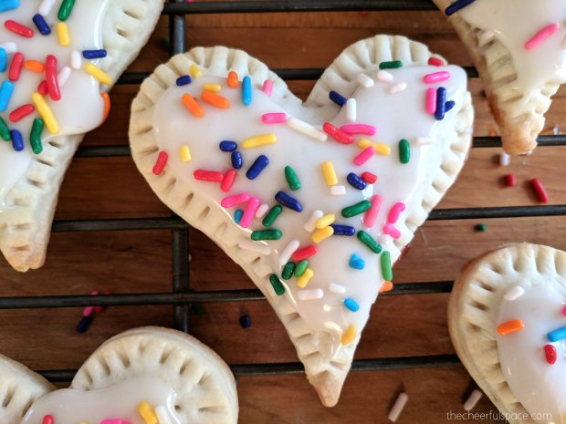 homemade-heart-poptarts-04