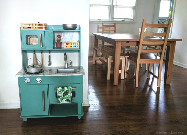 DIY-Budget-Play-Kitchen-Makeover-03