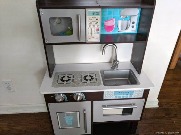 DIY-Budget-Play-Kitchen-Makeover-16